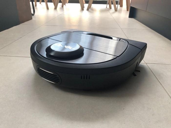 chon-mua-robot-hut-bui-cho-nha-nhieu-tang-3